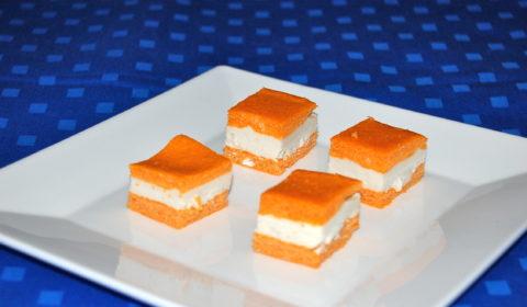 Mousse di mozzarella di bufala con acciughe di Cetara in un morbido biscuit al pomodoro
