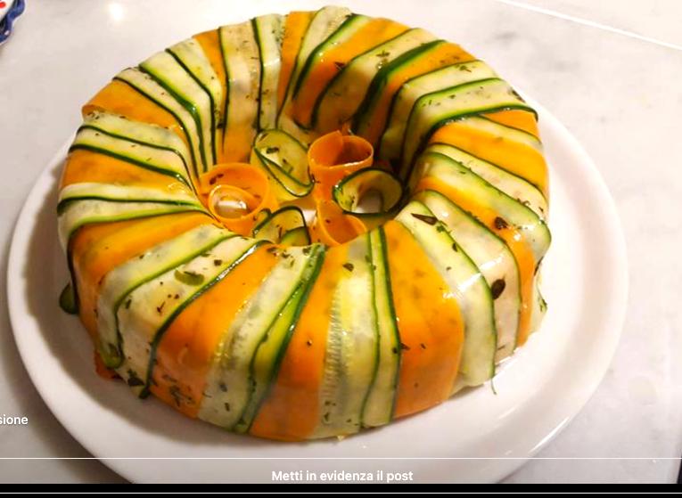 Insalata di patate di Avezzano, cipolline novelle, capperi di Pantelleria e tante erbe aromatiche in un anello di zucchine e carote